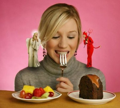 Выбор между вредной и полезной едой